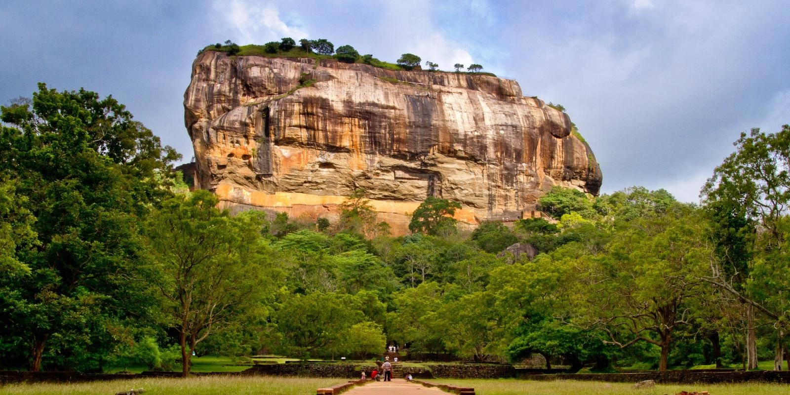 mountainous landscape in Sri Lanka